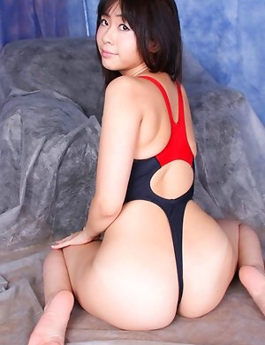 Free Asian Swimsuit Pics