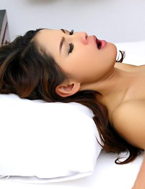 Free Asian Bedroom Pics